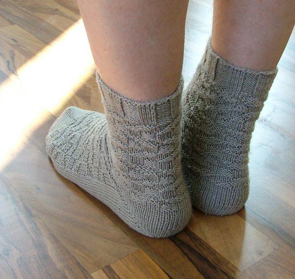 Anton sock knitting patterb