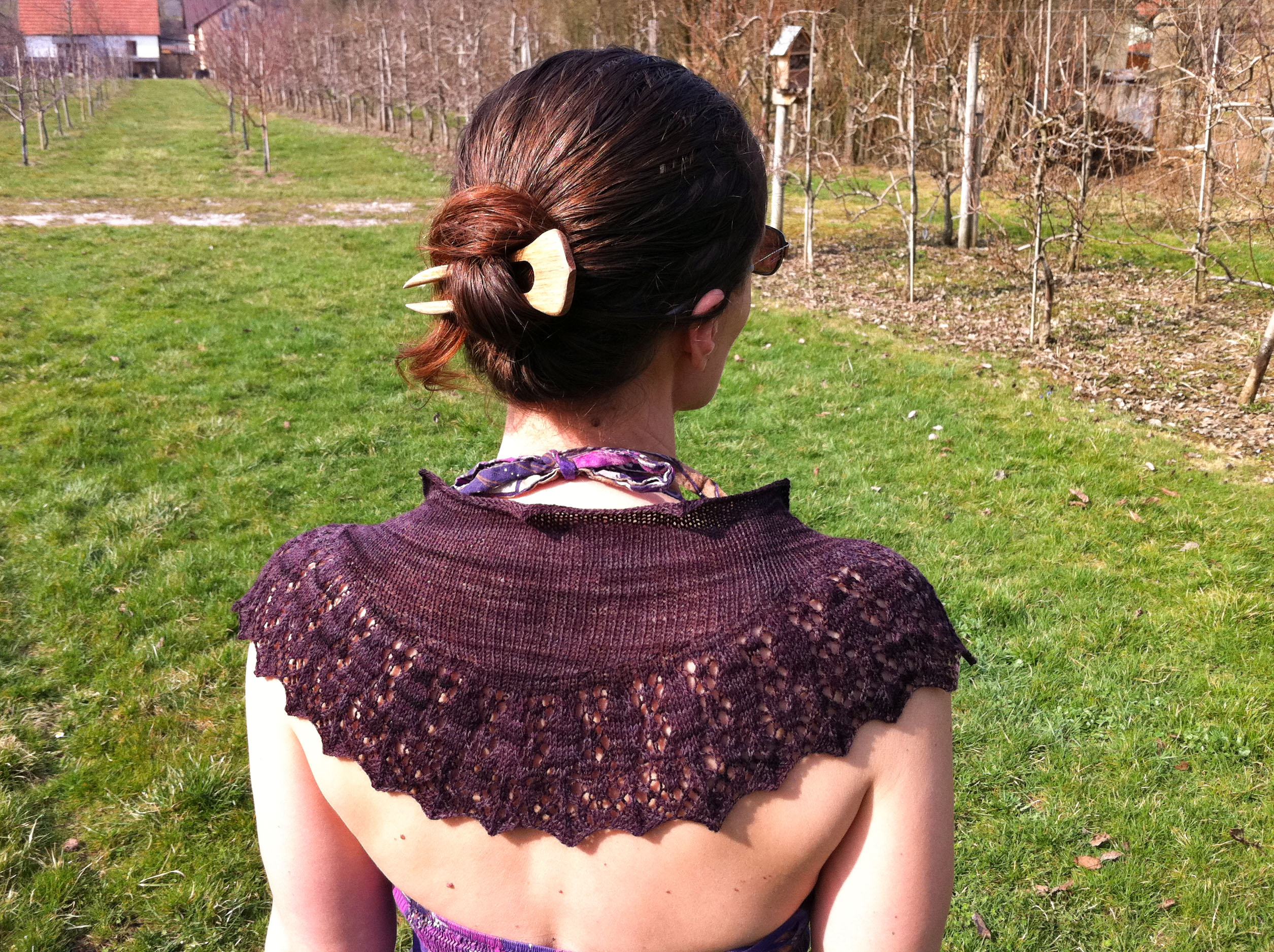 Priscilla shawl knitting pattern by Julia Riede