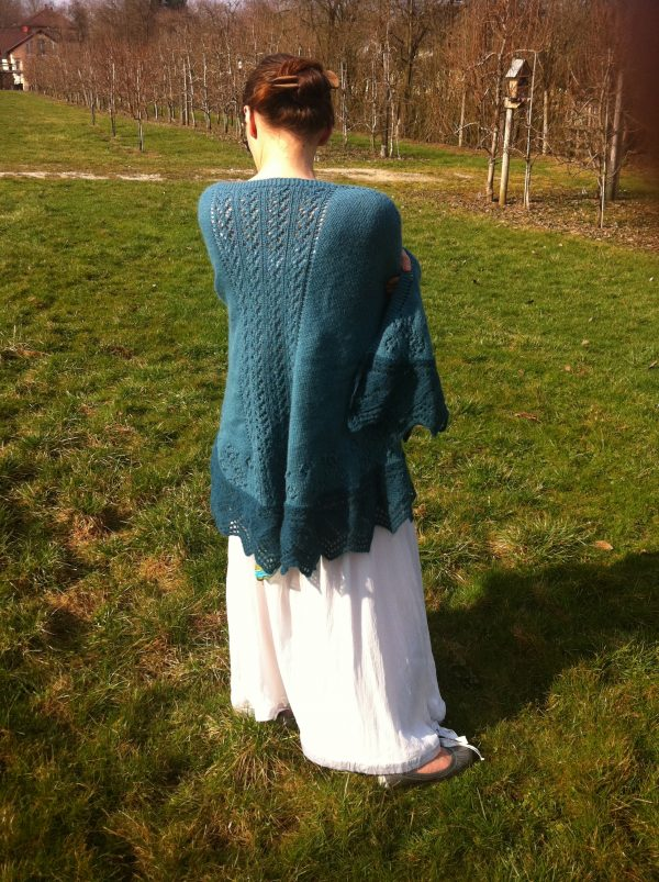 Raglan Faroese shawl knitting pattern