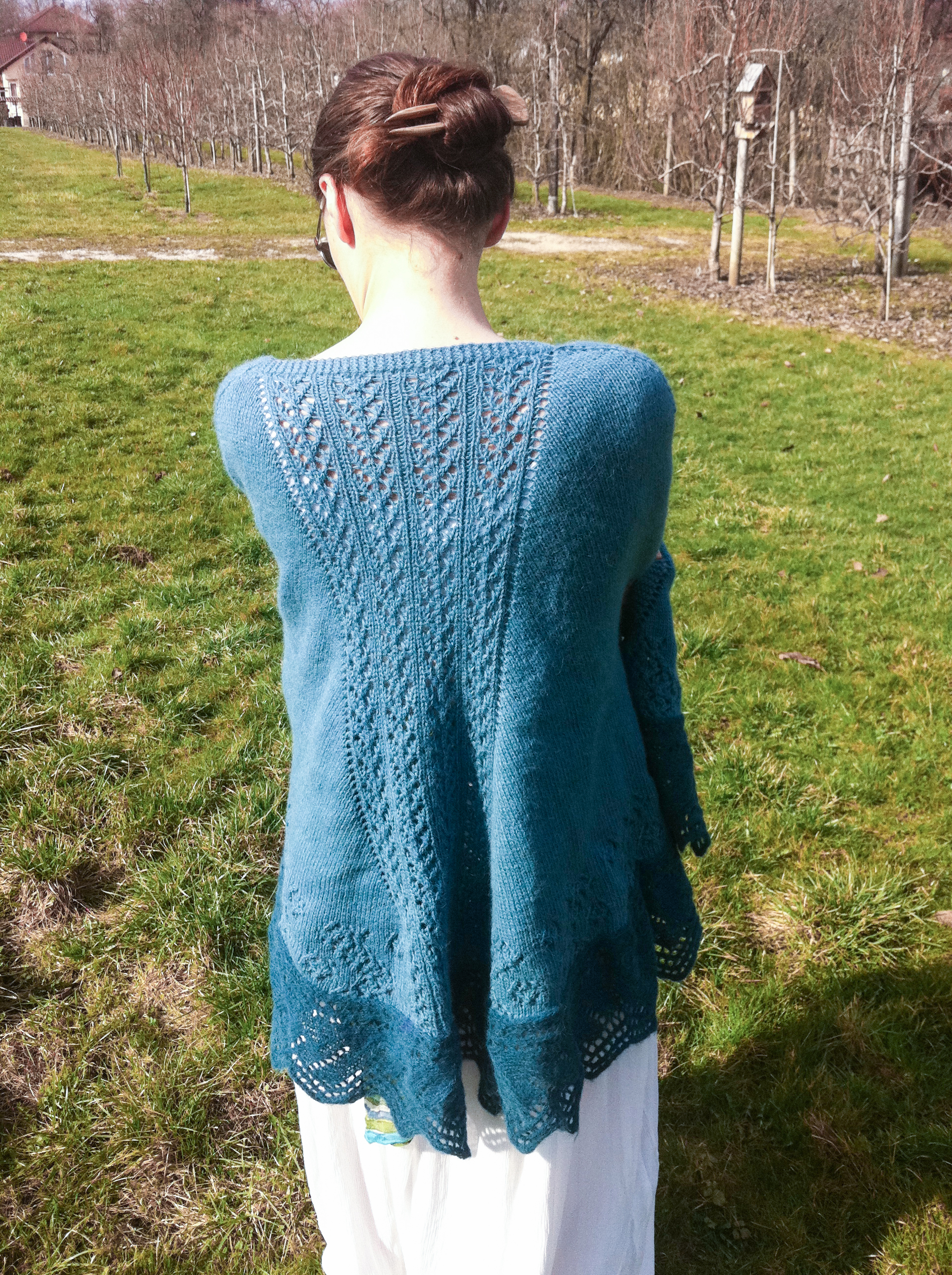 Raglan Faroese Shawl Pattern By Julia Riede Knittingday