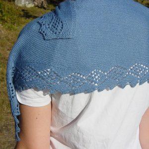 Ester shawl knitting pattern by Julia Riede