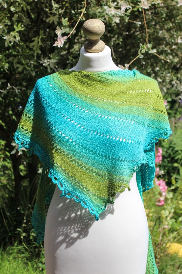 Gradient Vortex Shawl
