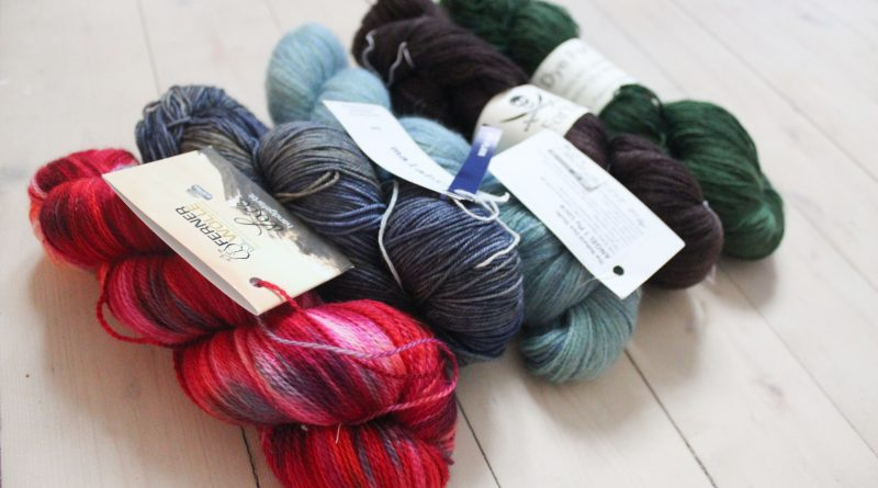 How to choose the right yarn for your next lace knitting project