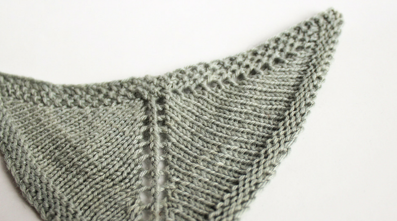 How To Knit Winged Triangle Shawls - knitting.today
