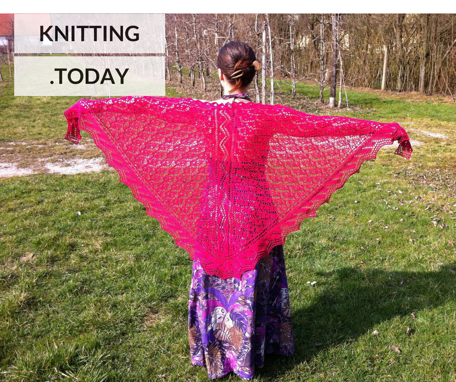 Friday Freebies Marlene Shawl