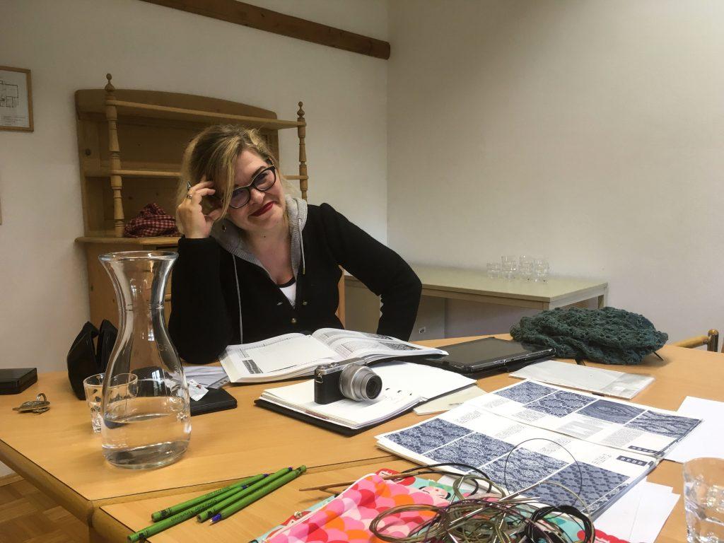 Theresa from Austrian Yarn Club providing insights on swatch advocacy.