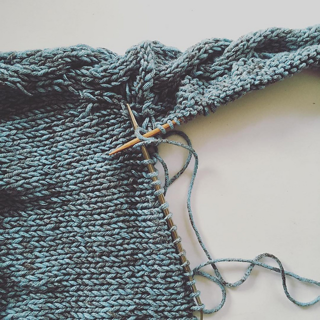 Accidents happen: creating new methods for knitting Faroese shawls trying to create a crescent shawl
