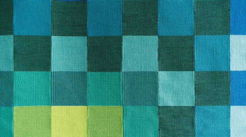 Resize square shawls: Adjustable square shawls
