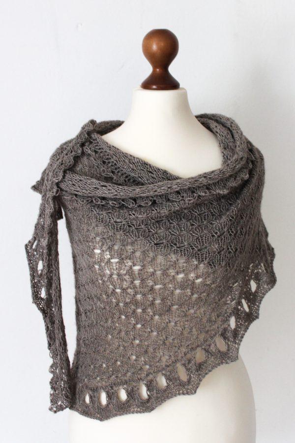 The Indulgent Spirit shawl knitting pattern by Julia Riede