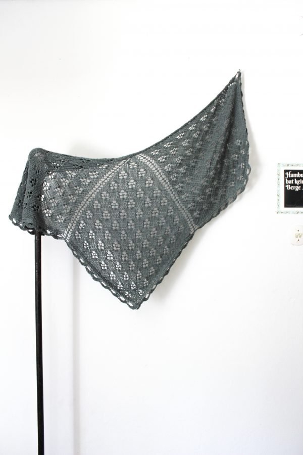 Adjustable Shawls Book Example Projects: Bird of Prey Shawl