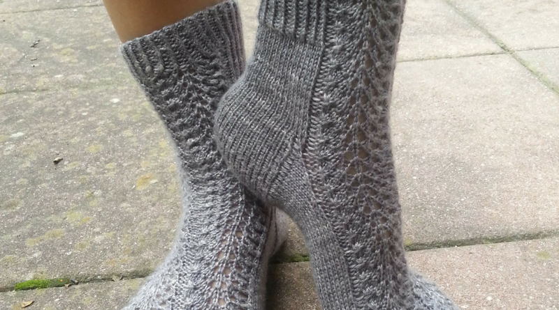 Knitting Socks That Fit - Gusset and Instep Knitting