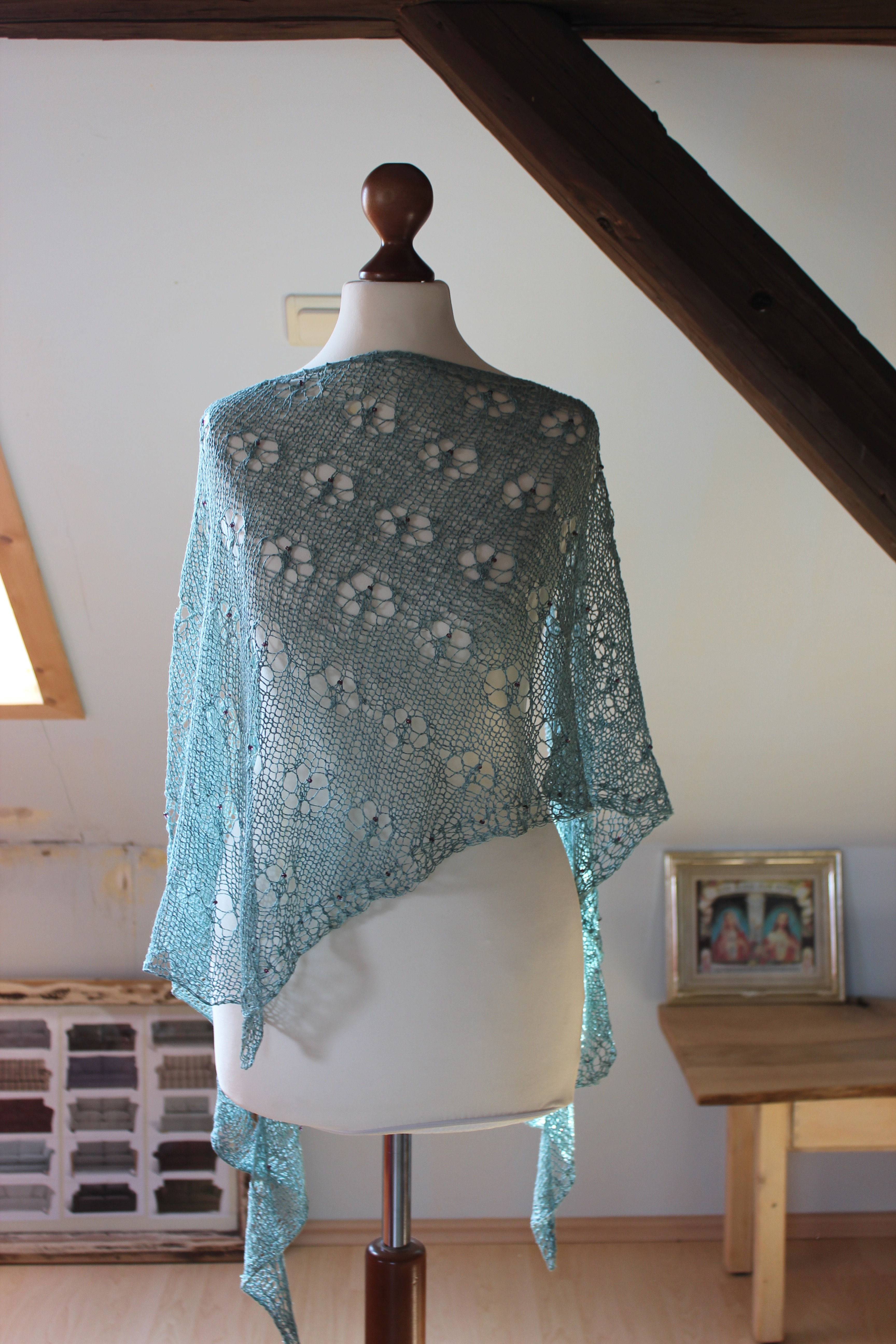Kite Heaven shawl knitting pattern