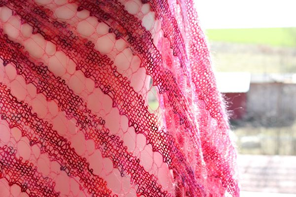 Love Pink shawl knitting pattern