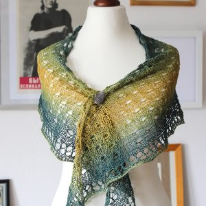 Tahiti shawl by Julia Riede